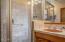 940 NW Coast St, Newport, OR 97365 - main floor bathroom