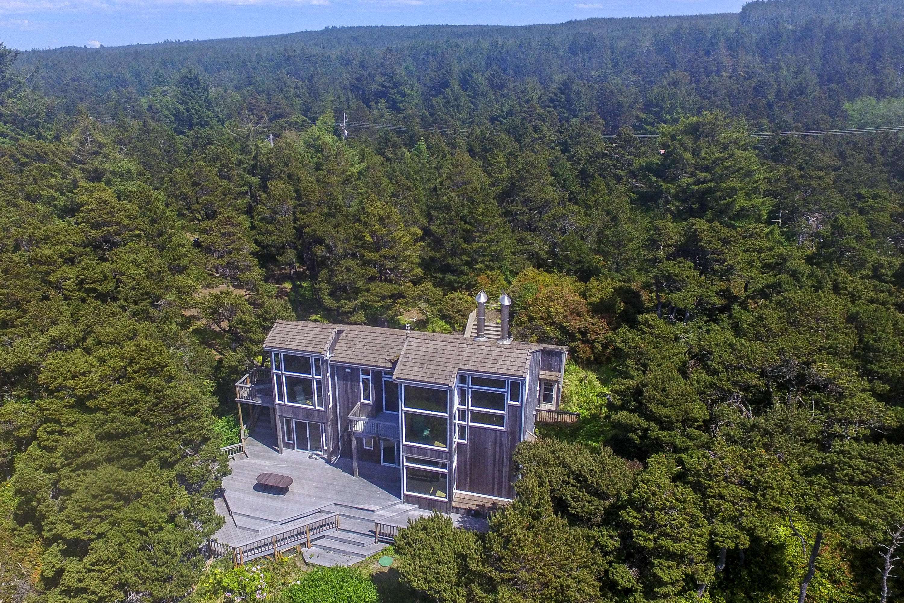 5822 NW Pacific Coast Hwy, Seal Rock, OR 97376