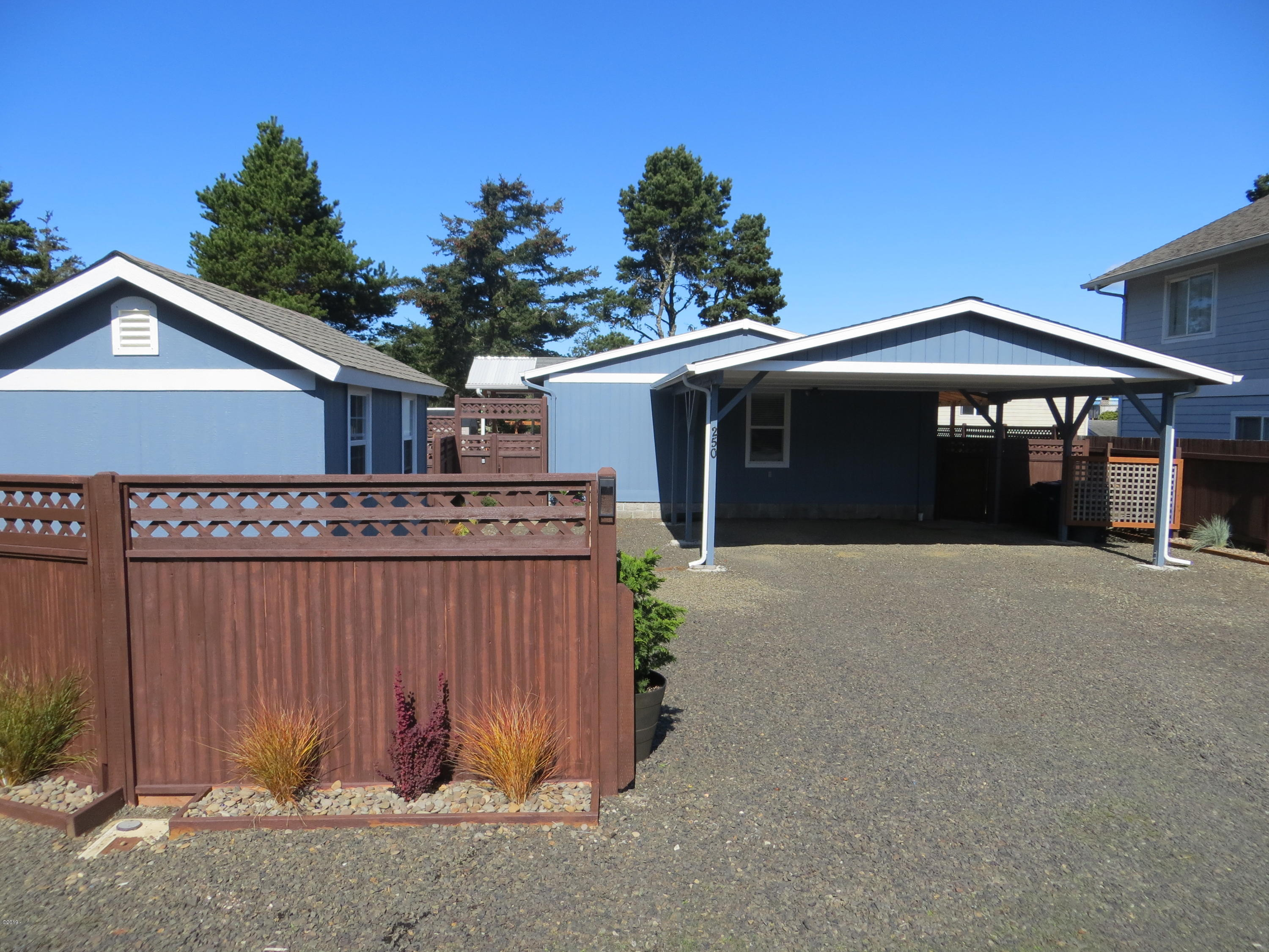 250 SW 30th St, Newport, OR 97365 - View from street