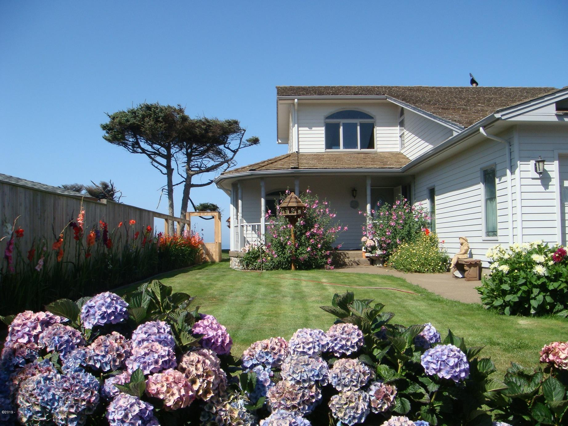 4986 SW Surf Pines Ln, Waldport, OR 97394