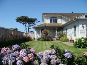 4986 SW Surf Pines Ln, Waldport, OR 97394 - Front View