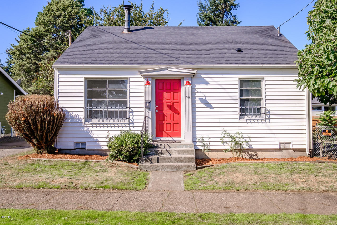 835 14th St SE, Salem, OR 97302