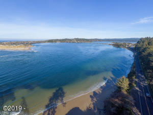 788 SW Pacific Coast Hwy, Waldport, OR 97394 - Alsea Bay