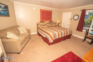 4229 SW Beach Ave, 35, Lincoln City, OR 97367 - Studio 3