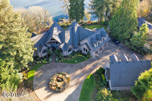 276 SW Forest Cove Rd, West Linn, OR 97068-9401 - Willamette River Front Estate