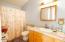 2856 NE Hwy 101, Lincoln City, OR 97367 - Master En Suite Bath