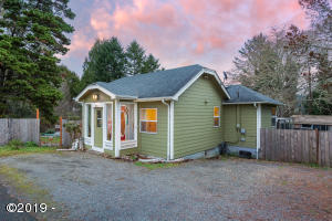 4690 NE Johns Ave, Neotsu, OR 97364 - 4690NEJohns-01