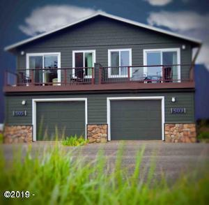 503 & 505 W 3rd, Yachats, OR 97498