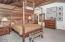 476 Lookout Court, Gleneden Beach, OR 97388 - Master Bedroom - View 3 (1280x850)