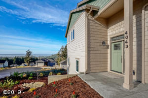 4043 SE Keel Way, Lincoln City, OR 97367 - Oceanview Home