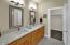 4043 SE Keel Way, Lincoln City, OR 97367 - Master Bathroom
