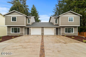 2260 NE Surf Ave., Lincoln City, OR 97367 - Exterior