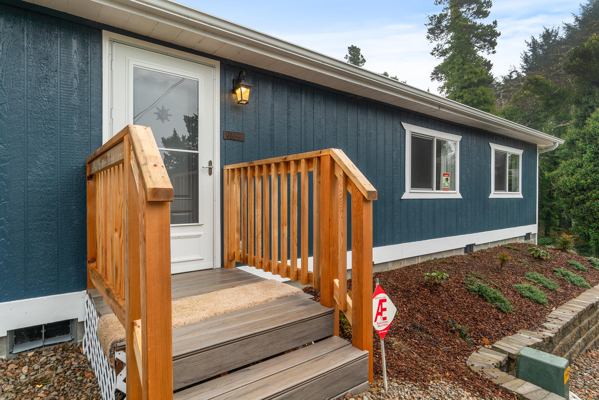 2678 SW Dune Ave., Lincoln City, OR 97367