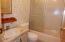5405 NW Pacific Coast Hwy, 14, Waldport, OR 97394 - Guest Bathroom