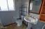 612 NE Benton St, Newport, OR 97365 - Bath