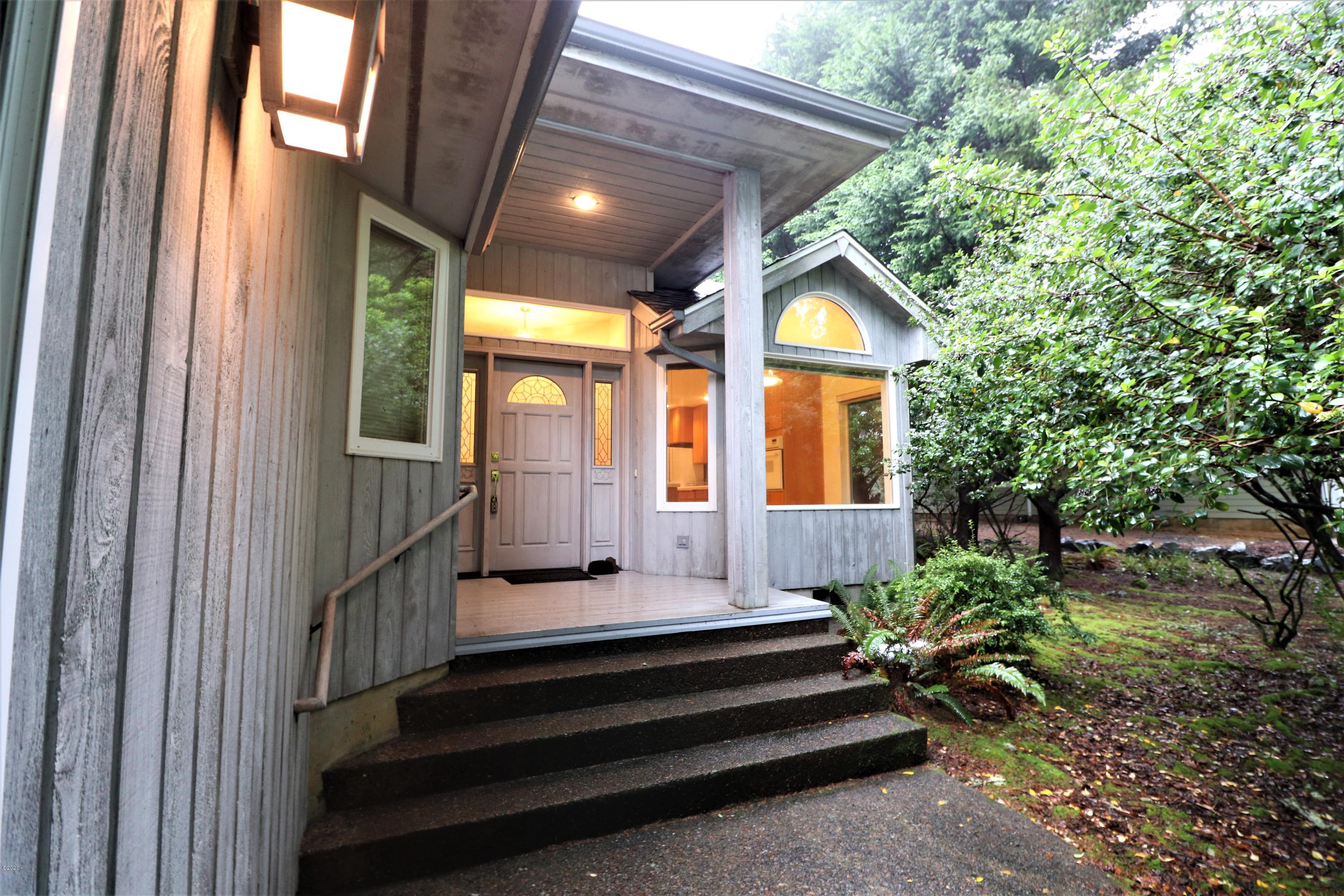 1070 SW Walking Wood, Depoe Bay, OR 97341