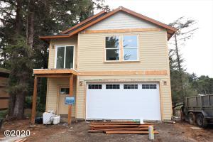 220 SW Cliff St, Depoe Bay, OR 97341 - Front of Home - Under Construction