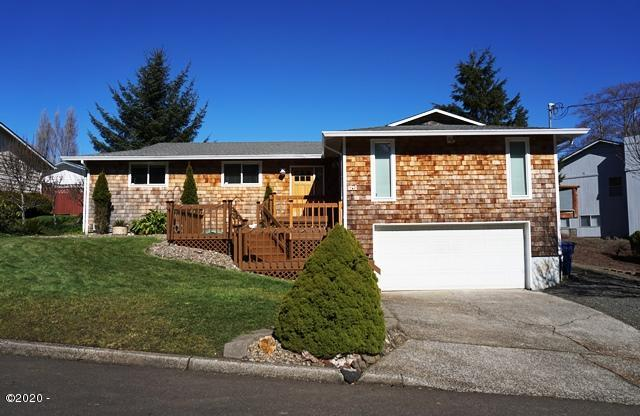 3141 NE 30th Drive, Lincoln City, OR 97367 - Exterior Sunny Day