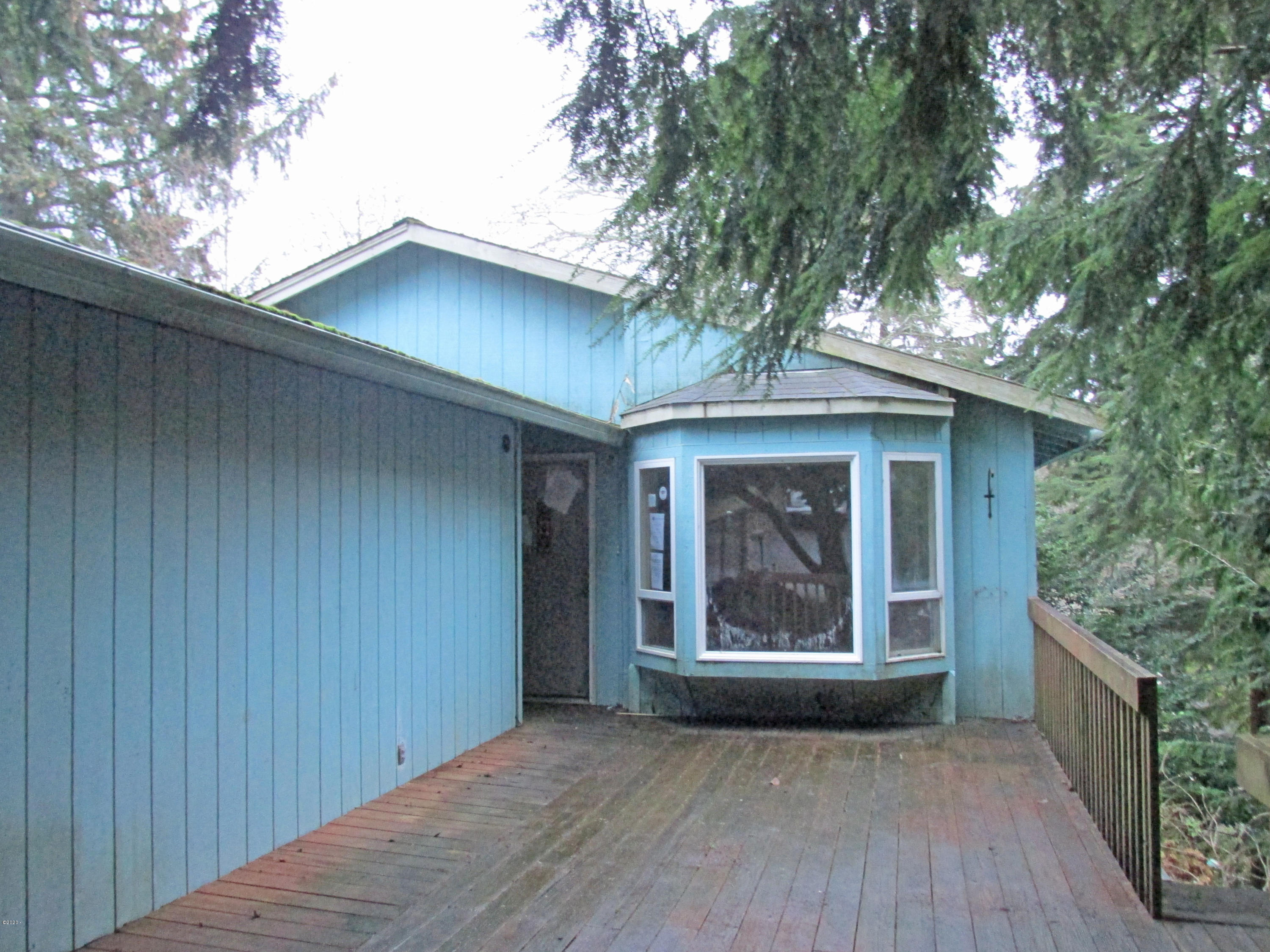 2752 NE Reef Ave, Lincoln City, OR 97367 - Front of house