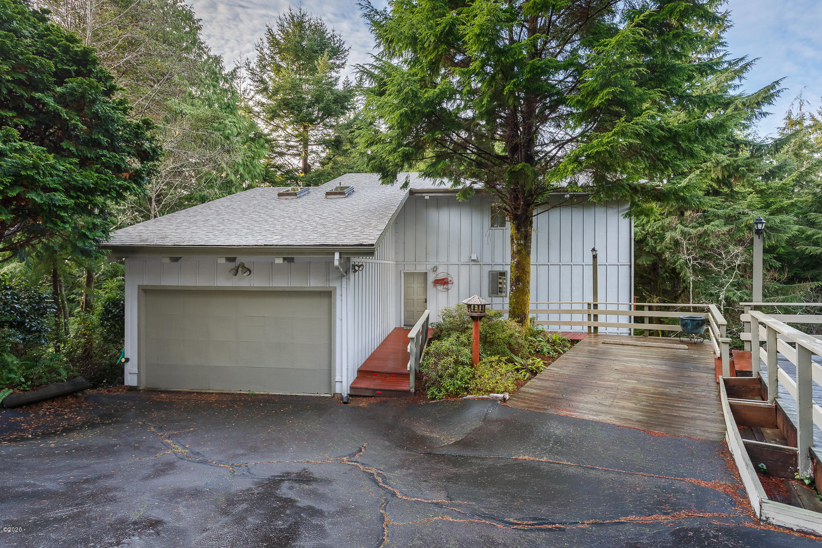 485 Lookout Dr, Gleneden Beach, OR 97388