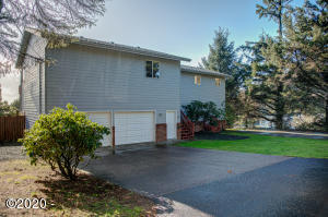 112 NE 55th St, Newport, OR 97365 - North side