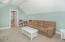 2781 SW Anemone Ave, Lincoln City, OR 97367 - 2781 SW Anemone Carriage House Guest Bed