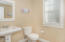 2781 SW Anemone Ave, Lincoln City, OR 97367 - 2781 SW Anemone Guest Bath B