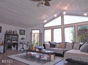 560 N Deerlane Rd, Otis, OR 97368 - 560 N Deerlane Rd