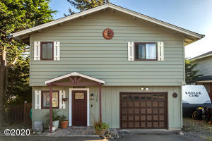 1758 NE 14th St., Lincoln City, OR 97367 - Exceptional Curb Appeal