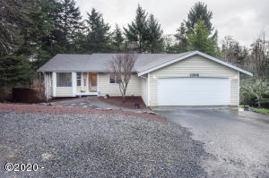 2171 SE 15th St, Lincoln City, OR 97367 - Exterior - View 2