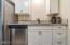 1442 NW Nye St, Newport, OR 97365 - Kitchen