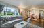 1442 NW Nye St, Newport, OR 97365 - Living Room