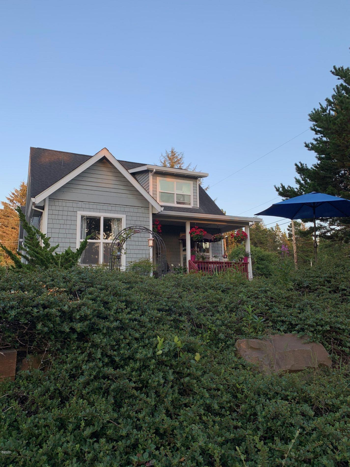 55 Wallace St, Gleneden Beach, OR 97388 - FRONT