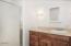 4330 SW Coast Ave, Lincoln City, OR 97367 - Upstairs Bathroom (1280x850)
