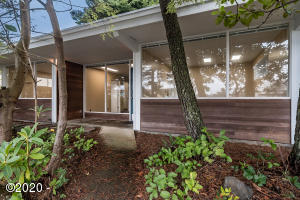 2126 NE Quay Pl, Lincoln City, OR 97367 - Entry