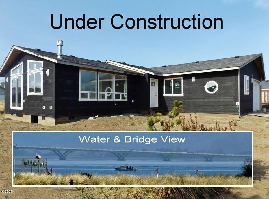 114 NW Alsea Bay Dr, Waldport, OR 97394