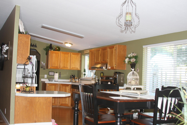 1097 NW Fox Creek Dr, Seal Rock, OR 97376 - bonus area/kitchen