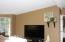 1097 NW Fox Creek Dr, Seal Rock, OR 97376 - living room