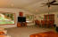 26293 Us-20, Eddyville, OR 97343 - Upper level living area
