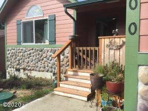 2200 NW Mokmak Lake Dr, Waldport, OR 97394 - _private_var_mobile_Containers_Data_Appl