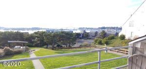 1000 SE Bay Blvd, 421, Newport, OR 97365 - Deck View