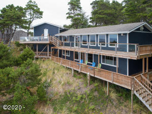1502 NW Oceanview Dr, Waldport, OR 97394 - West side of the home
