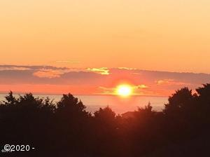 4611 NW Pacific Ct, Lincoln City, OR 97367 - Sunset