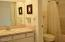 301 Otter Crest Dr, #322-3, 1/12th Share, Otter Rock, OR 97369 - Full bath off bedroom