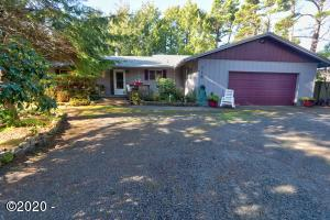 115 Ridge Pl, Depoe Bay, OR 97341 - Front of House