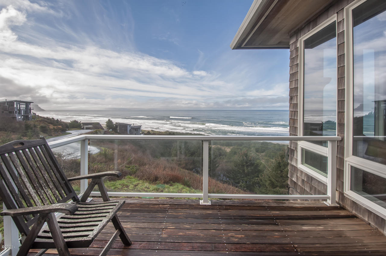 44480 Sahhali Drive, Neskowin, OR 97149 - Deck off Dining Room