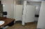 266 SE Hwy 101, Lincoln City, OR 97367 - Bathroom