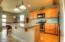 526 NW Coast St., H, Newport, OR 97365 - Kitchen Island