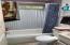 2130 NE 36th Dr, Lincoln City, OR 97367 - Bathroom
