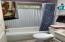 2130 NE 36th Dr, Lincoln City, OR 97367 - Bathroom